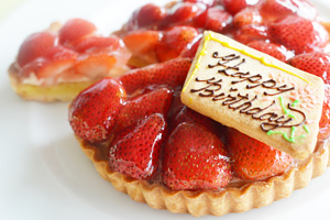 Halal Strawberry Tart Cake